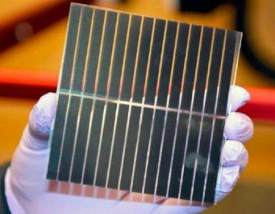 东芝研发出薄膜型钙钛矿太阳能电池:重量轻并可弯曲