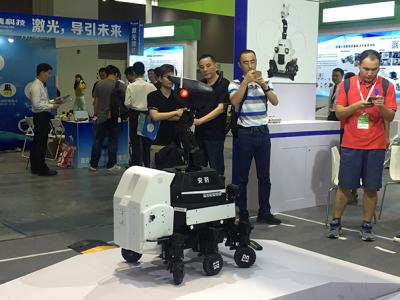 中国工业机器人消费连续六年全球第一,全球的AI专利申请累计190万件