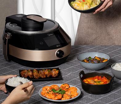 美的发布科技感十足的炒菜机器人,5分钟烹饪出星级大厨味道