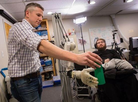 Neuralink计划于明年实现在瘫痪者的脑中植入电极