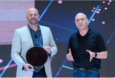英特尔推出8款全新第十代智能酷睿处理器,  U系列上6核12线程