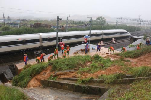 云南欲加强动力环境监控系统为铁路防汛装上千里眼