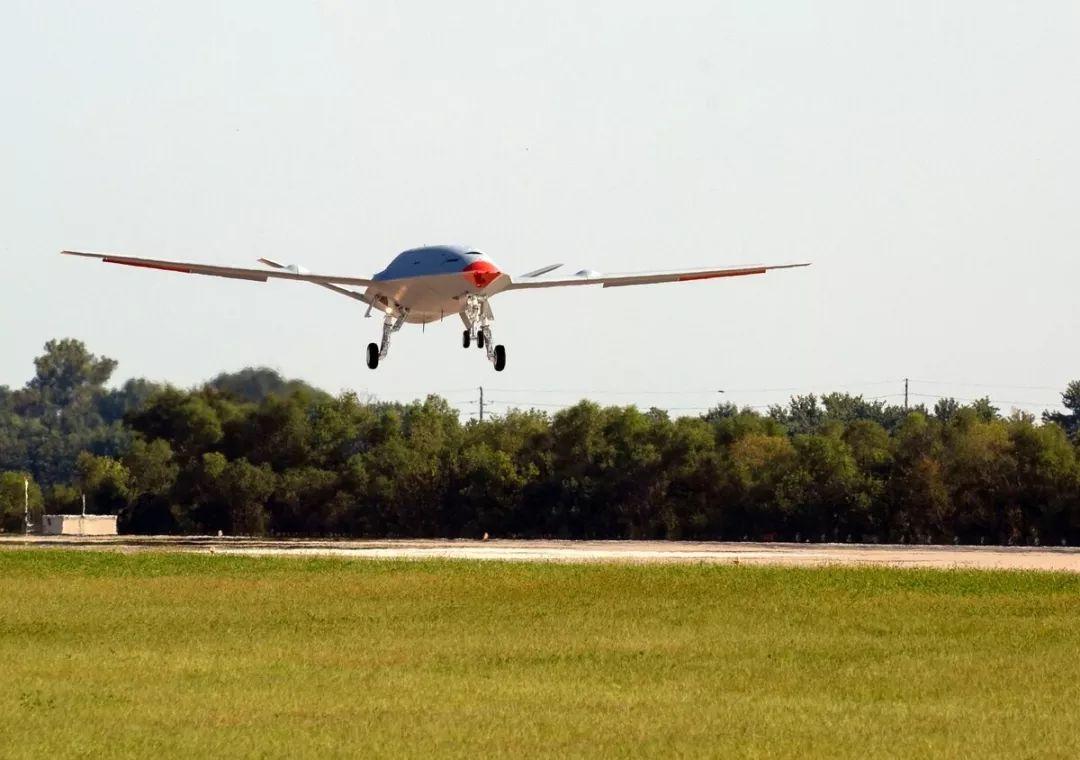 波音推出革命性MQ-25无人加油机 成功完成首飞