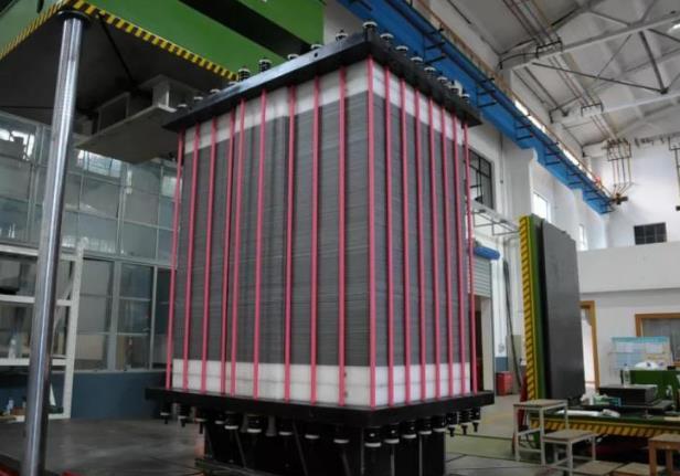 "31.25kW!全球最大功率铁铬液流储能堆""容和一号""成功下线"