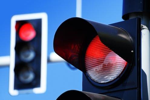 一种针对交通算法的新型攻击导致严重交通堵塞