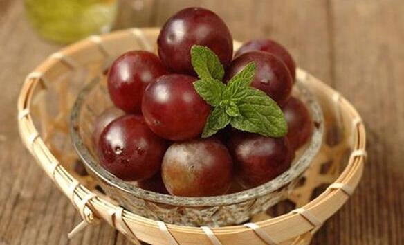 葡萄的保鲜储存方法:(地窖、冷库、冰箱)三套葡萄保鲜方案
