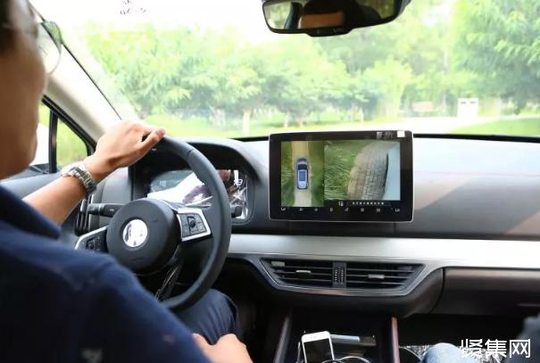 智能汽车竞争系统为王,比亚迪Dilink领先在哪?