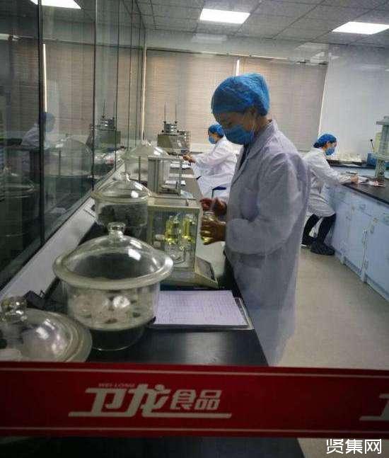 卫龙辣条创始人刘卫平,高中学历,卫龙食品公司市值500亿!