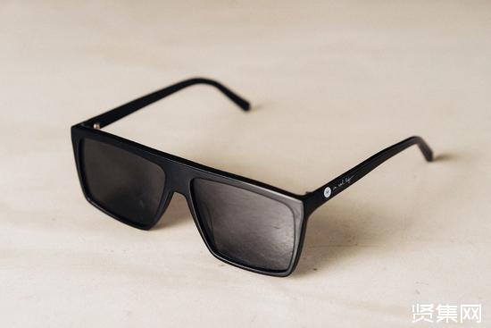 IRL眼镜创始人伊凡·卡什(Ivan Cash):屏蔽无处不在的广告屏幕