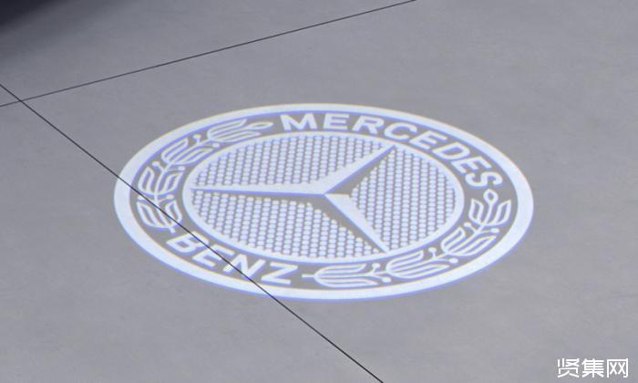 ?戴姆勒将召回12.8万辆梅赛德斯奔驰汽车,为其更换空调冷却剂