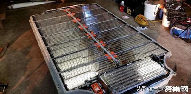 特斯拉的秘密竟是7000节5号电池?网友:果然是电动玩具车!