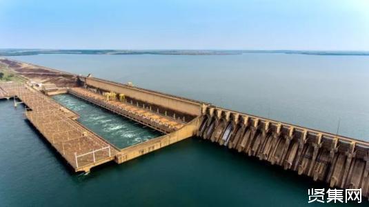 巴基斯坦卡洛特水电站首台机组座环吊?#24052;?#25104;