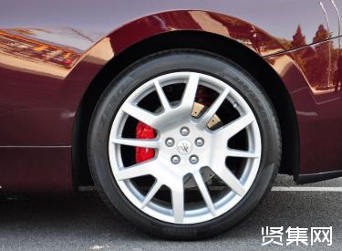 手刹是刹前轮还是后轮?汽车手刹原理、使用方法及注意事项