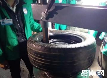 新手扒胎机扒胎本事何如不伤轮毂?奈何用机上