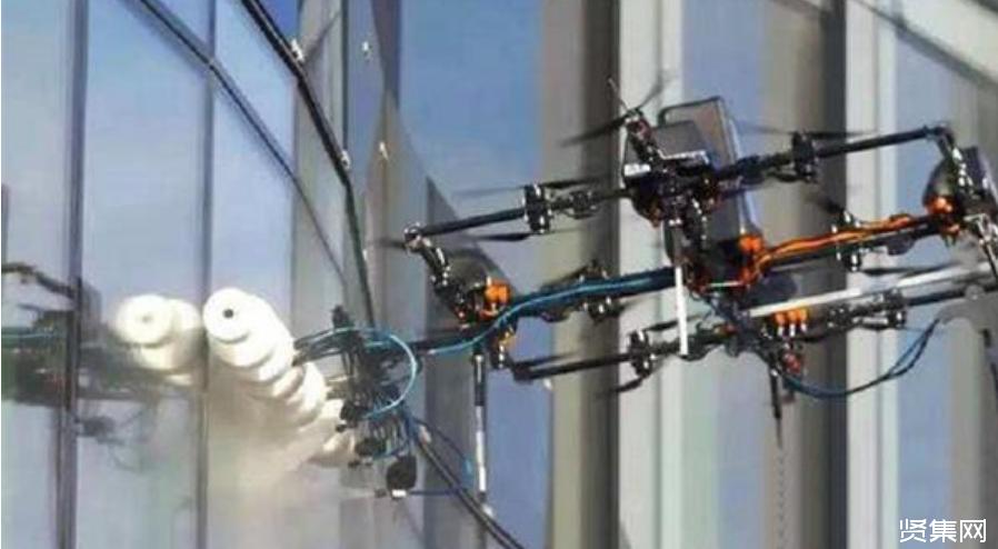 """亚博-无人机将实现""""高空灭火"""",未来将取代消防员,成为一代灭火神器"""