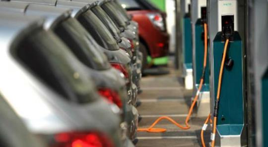 《【天富平台佣金】北汽蓝谷拟募资55亿元加码新能源汽车 加码高端车型》