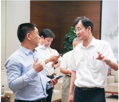 康力电梯与蓝光集团深化战略合作,为客户提供高品质产品和卓越服务