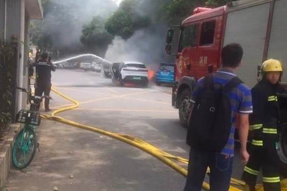 《【天富主管】小鹏G3广州起火爆炸怎么回事?会影响其IPO吗?》