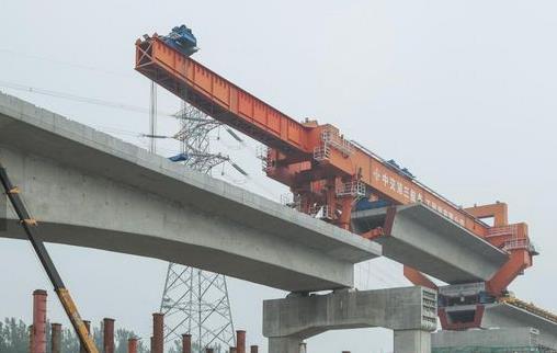 《【腾讯天富娱乐app】京沈高铁实现全线主体贯通 即将进入铺轨施工阶段》
