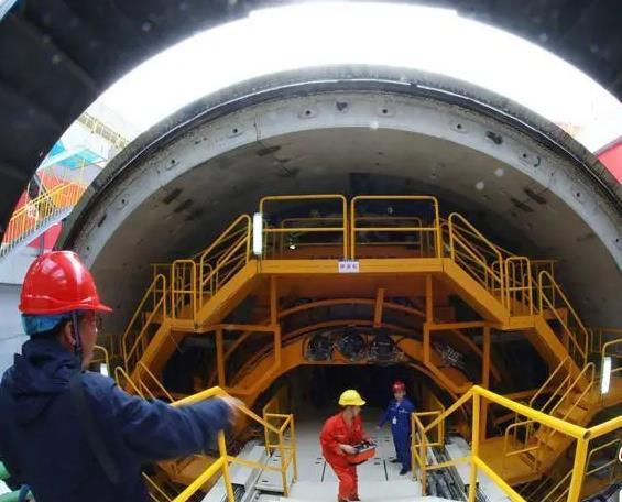 我国首条下穿高铁大直径盾构隧道开始掘进 国内外还没有先例