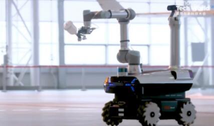 """联想发布首款自研工业机器人""""晨星"""" 可实现自主喷涂"""