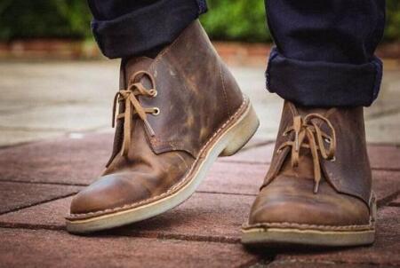 李宁成百年鞋企Clarks新东家 成交金额达1亿英镑