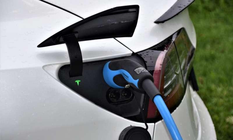 工程师破解电动汽车充电技术,证明充电网络存在安全漏洞