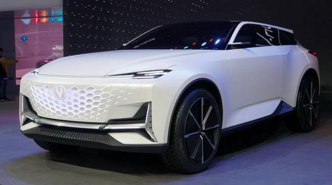 长安汽车首次发布方舟架构!未来五年将推出105款车型
