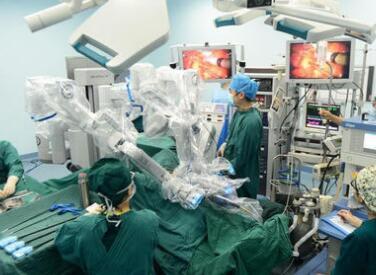 手术机器人正在改变医疗行业 为患者提供更好的护理