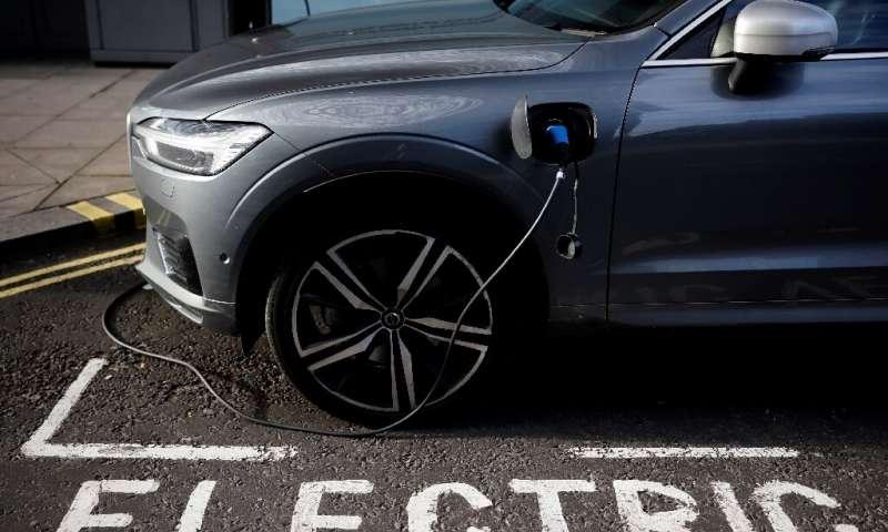 """根据数据统计:改用电动汽车有望""""终结石油时代"""""""
