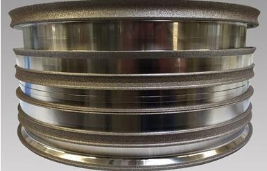 《【腾讯天富娱乐app】高精度研磨的电镀轮面世,最大车轮直径约为24英寸》