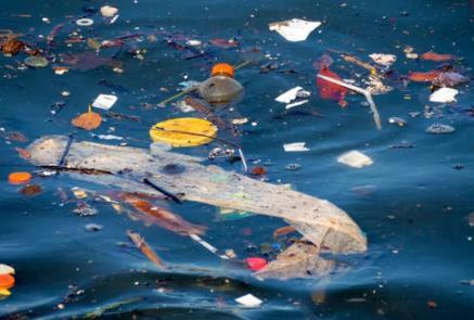 全新人造材料 有助于对海洋塑料垃圾的全球监测和处理