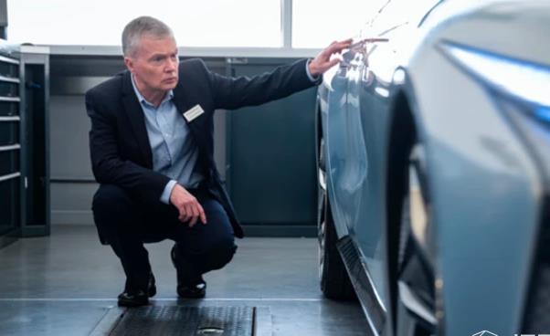 上汽、阿里打造的智己汽车发布新车 可点到点自动驾驶