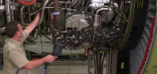 一种新型智能管道镜面世:检查飞机发动机所需的时间减少75%