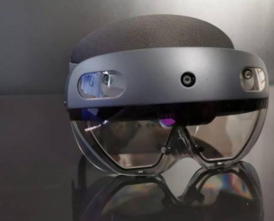 《【手机欧亿注册】微软推出Mesh全息交互协作平台,《星球大战》中的科幻画面成真?》