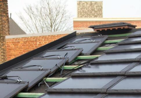 西班牙一瓷砖企业开发了世界上最大的太阳能瓷砖