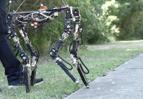 野外变形机器人,可以根据地形提前改变自身的形状