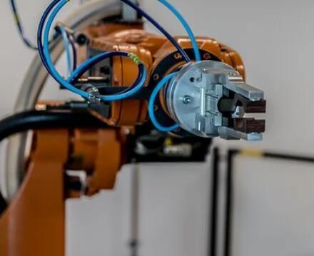 Bastian解决方案,最大程度地发挥AI机器人拣选的优势
