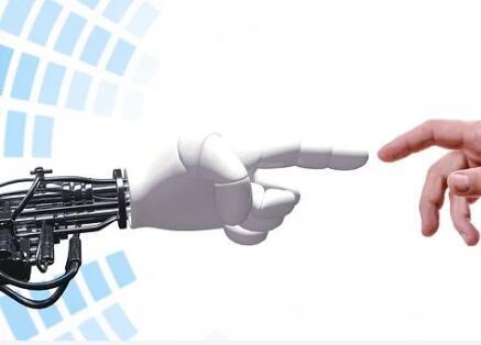 可编程机器人与人类相互联系和工作,提高竞争力和生产效率