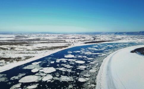 哈尔滨一大桥疑似被冰排撞塌 冰排是怎么形成的?