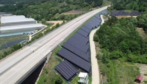 受制于土地有限的影响 韩国计划在高速公路和铁路沿线部署光伏项目