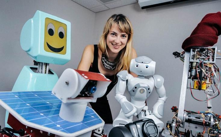 如何提高妇女对机器人技术的参与