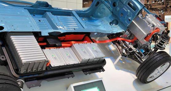 新能源汽车退役电池回收暗藏风险 行业规范如何完善?