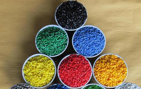 化学家创造了可再生的植物基聚合物 可以轻松回收