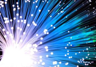 2025年硅光子芯片规模将达5亿美元,硅光集成方案存在四个方面挑战