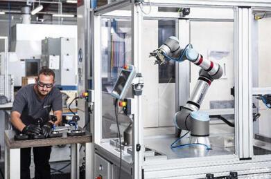 具有高成本效益的协作机器人RC10,可提高效率和操作员安全性
