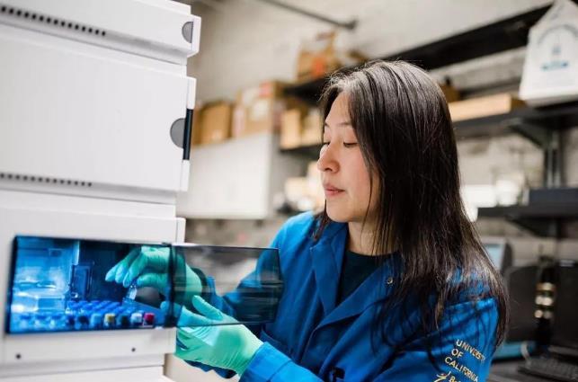 大连理工这位女教授4年3次登顶《自然》《科学》 她是怎么做到的?
