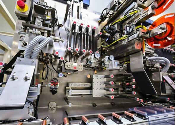 远东股份2020年营收为198.04亿元 电池业务营收同比增长4.14%