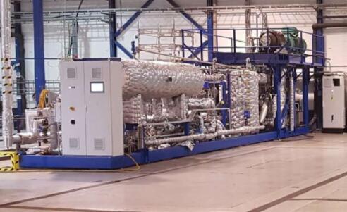 世界上第一台可以加热到180度的热泵产生 主要用于工业制造
