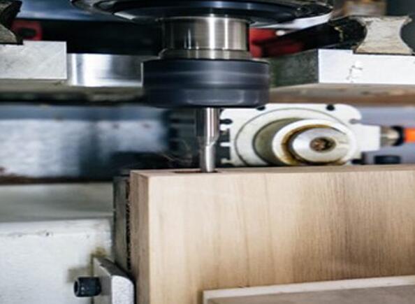 数控铣床用于细木工加工的优势和注意事项是什么?